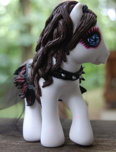Repo Blind Mag Pony by AdeCiroDesigns