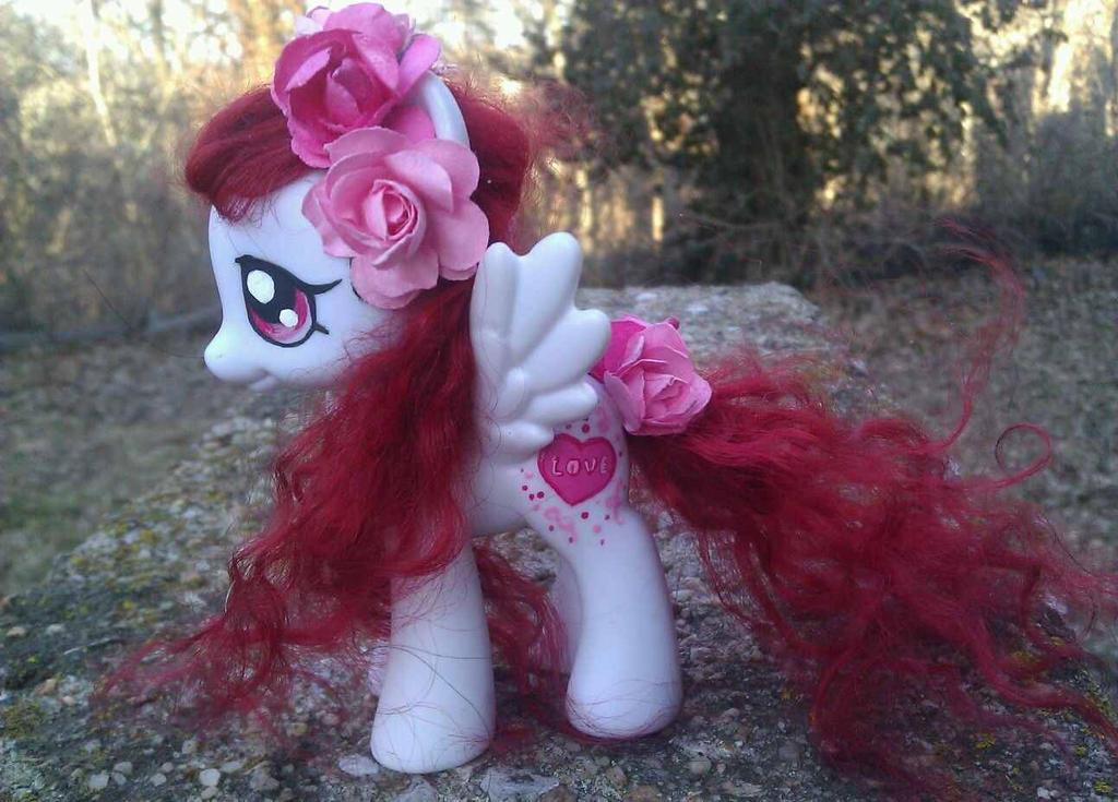Valentines G4 Pony by AdeCiroDesigns