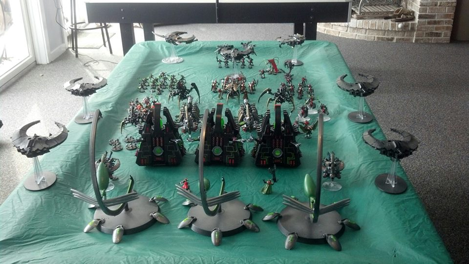 Back view of Necron army by RoluevasVasReisa
