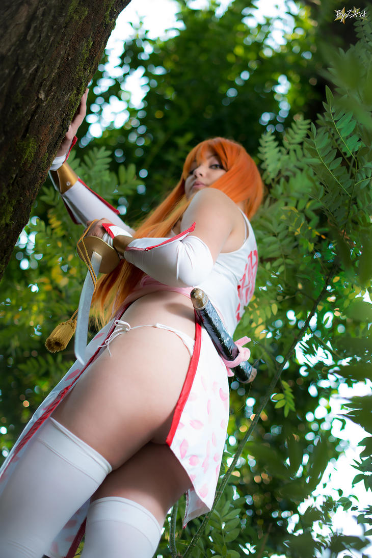 Follow me. Kasumi cosplay, Dead or Alive. by Giuzzys