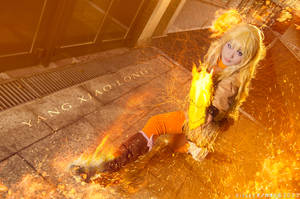The girl on Fire. RWBY cosplay, Yang xiao long by Giuzzys