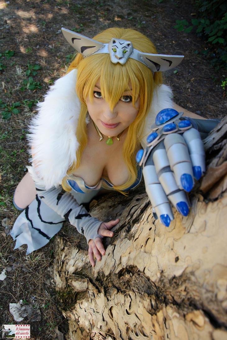Roar . Elina cosplay, Queen's blade by Giuzzys