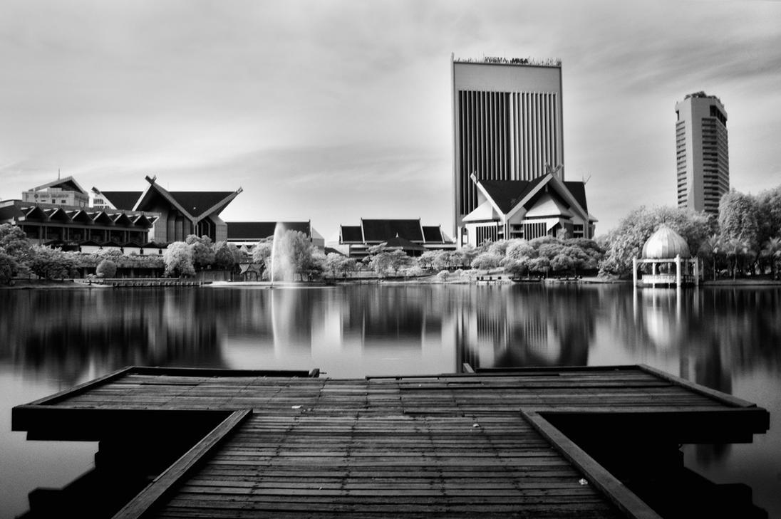 Shah Alam Lake by P-a-i-k-e-a