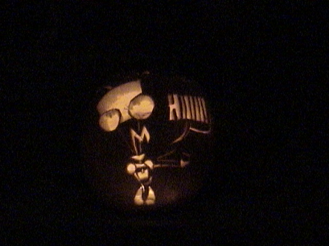 GIR Pumpkin by MidnightMadwoman