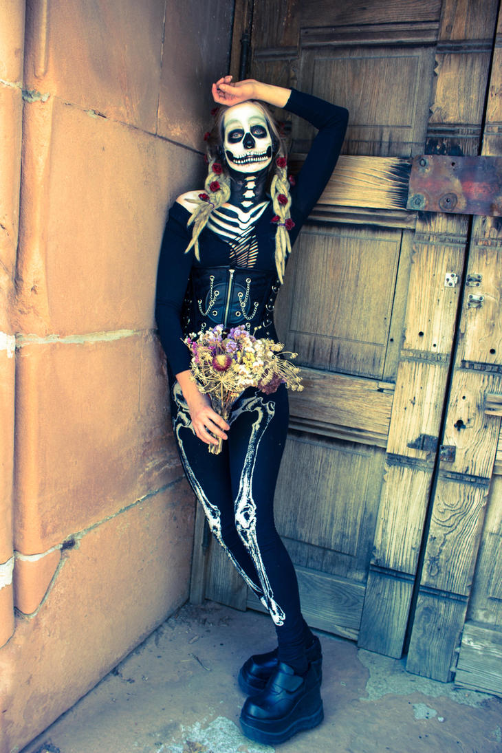 Skeleton you are my friend by lovehate-eternal