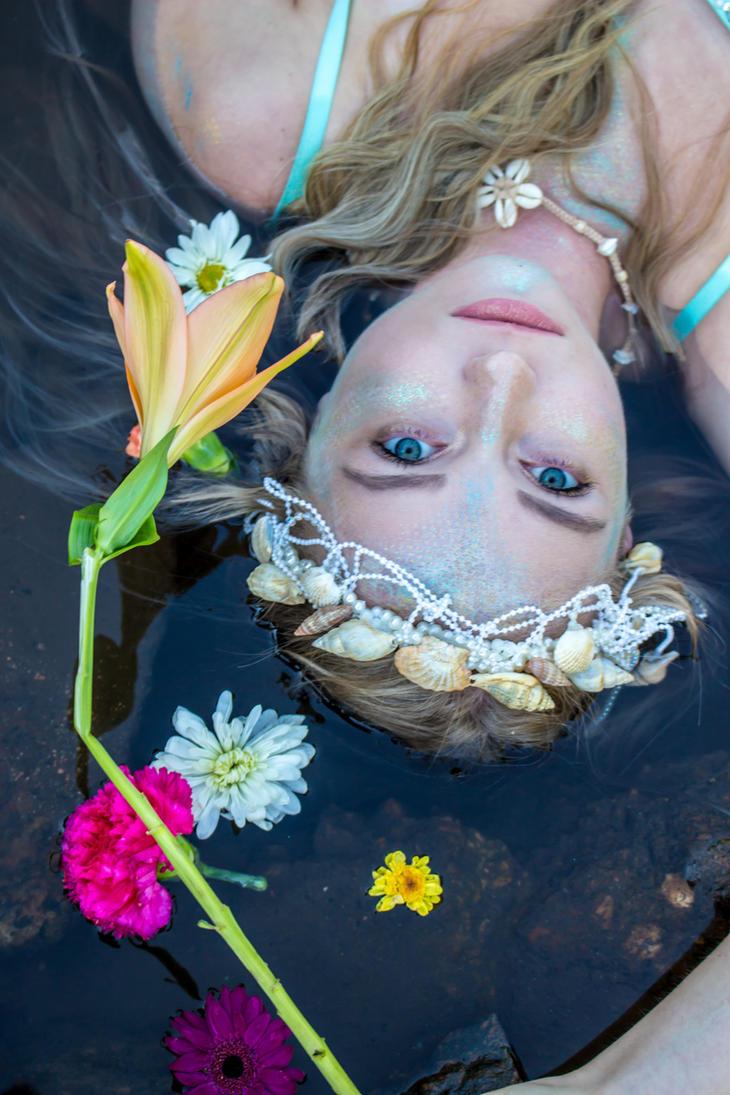She Sells Seashells by lovehate-eternal