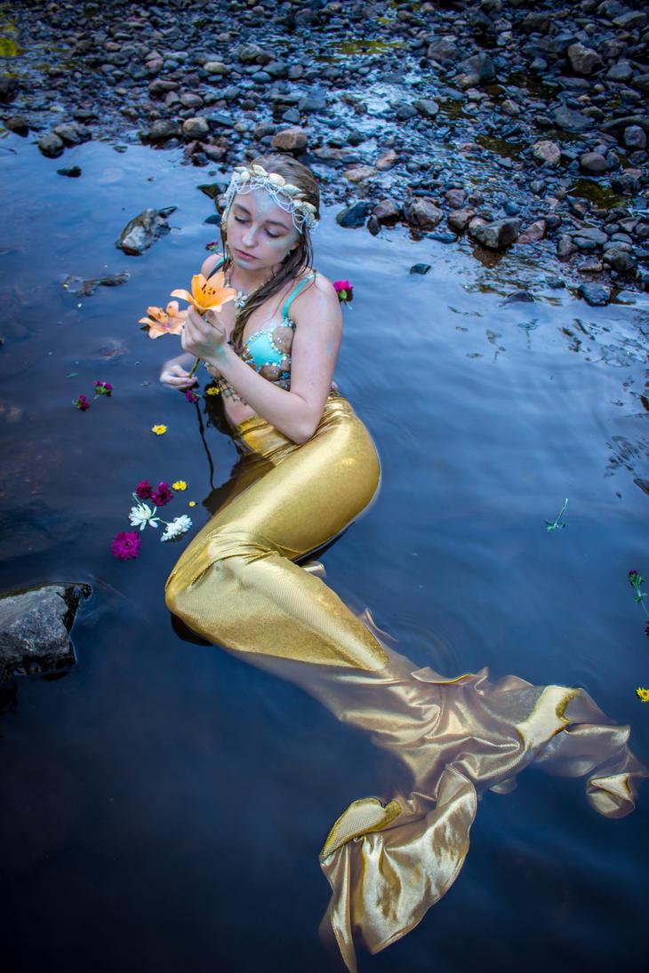 Mermaid 3 by lovehate-eternal