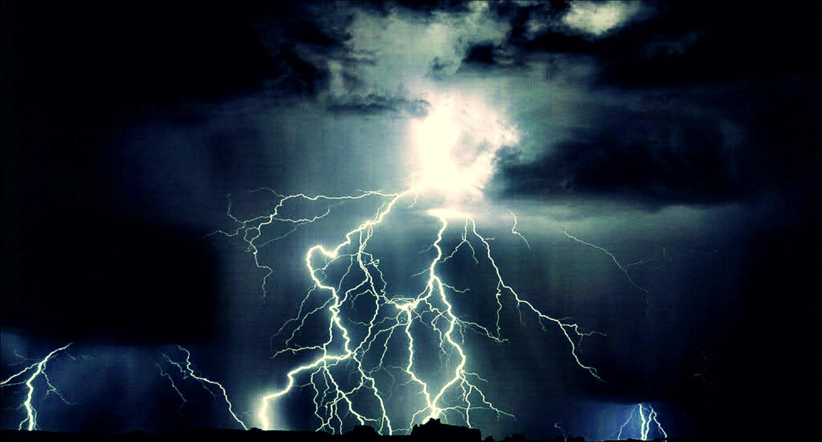 Thunderstorm In The Archipelago June 24  by eskile