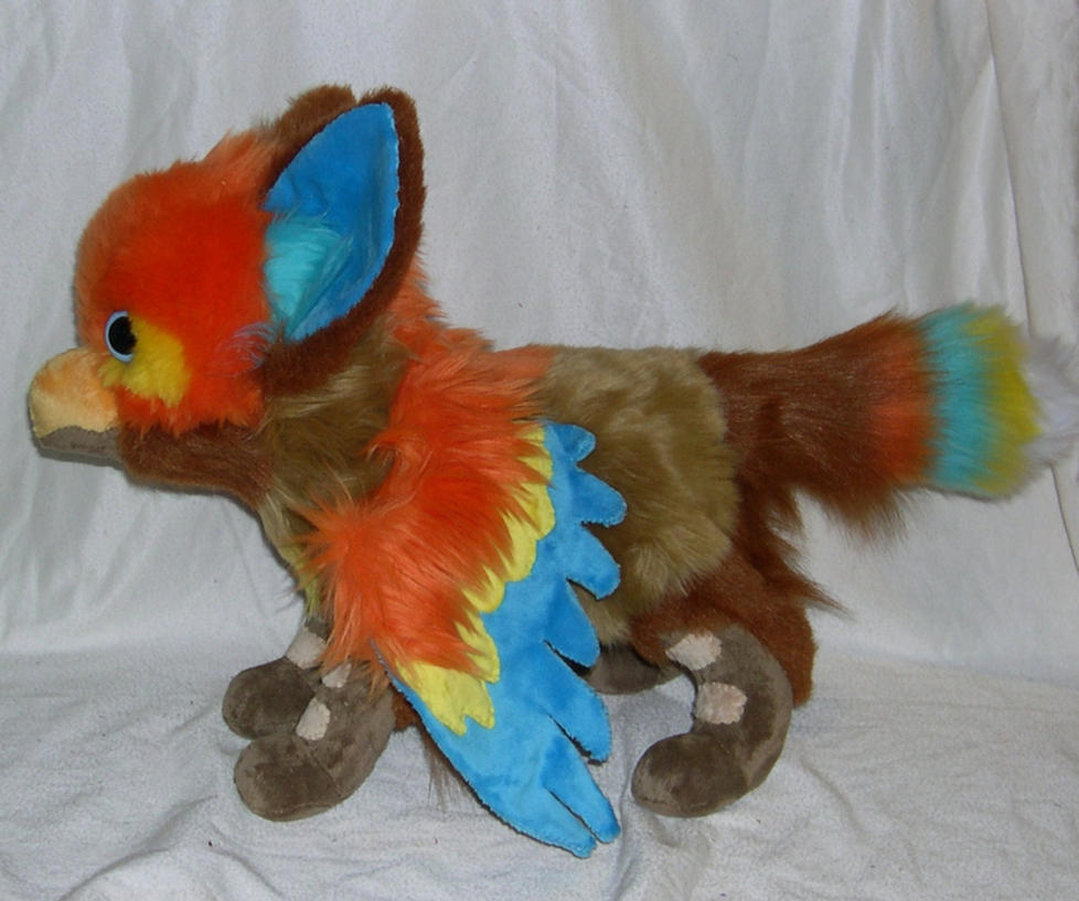 Gryphon plush by Bladespark