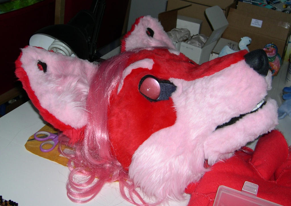 Pink fox head by Bladespark