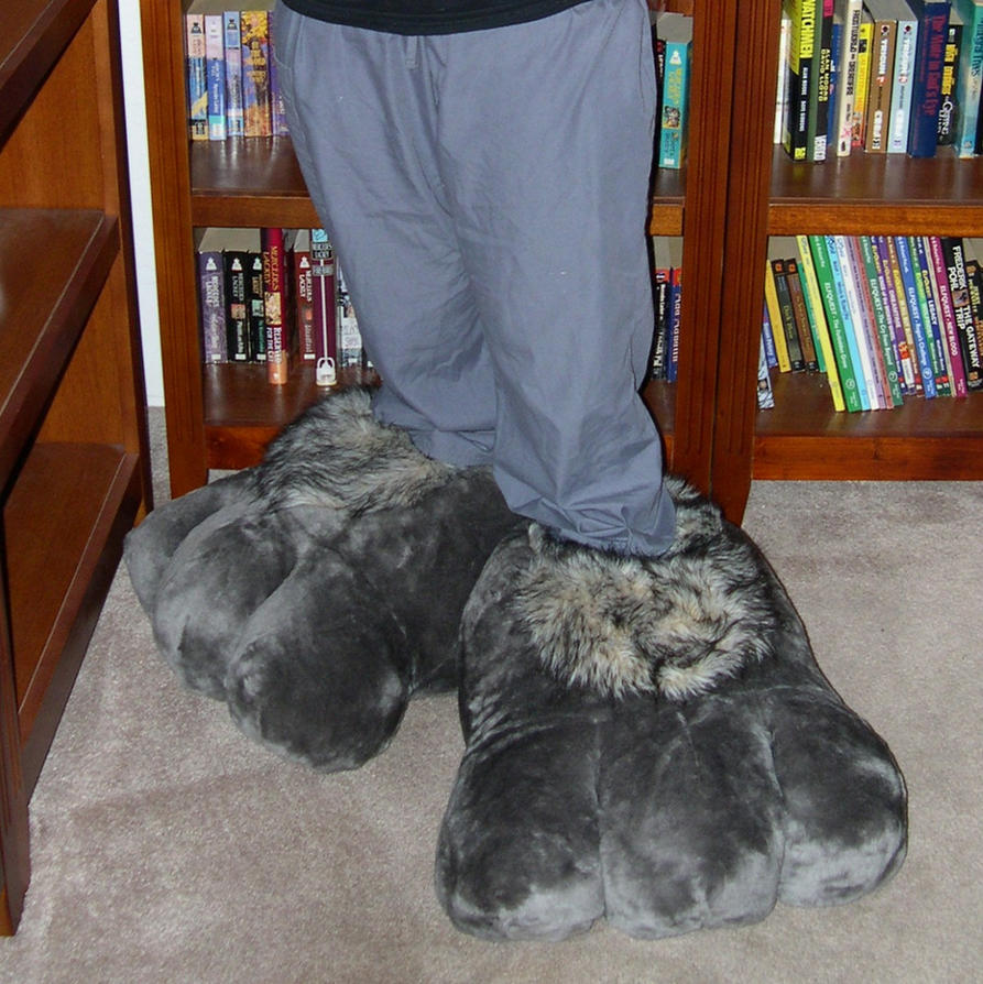 More giant slippers by Bladespark