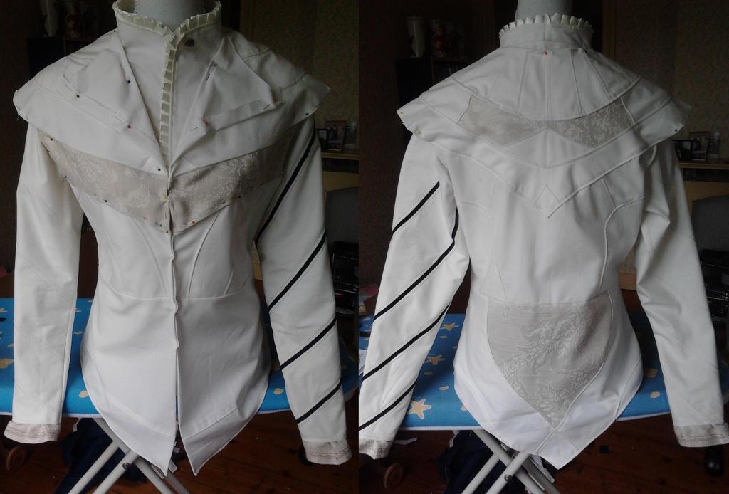 AC Brotherhood: Ezio's doublet/vest and tunic WIP by kisusie