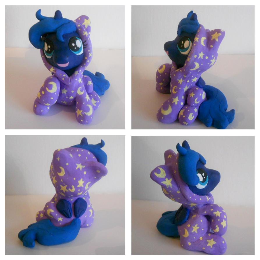 Luna in Pajamas! by Sophillia