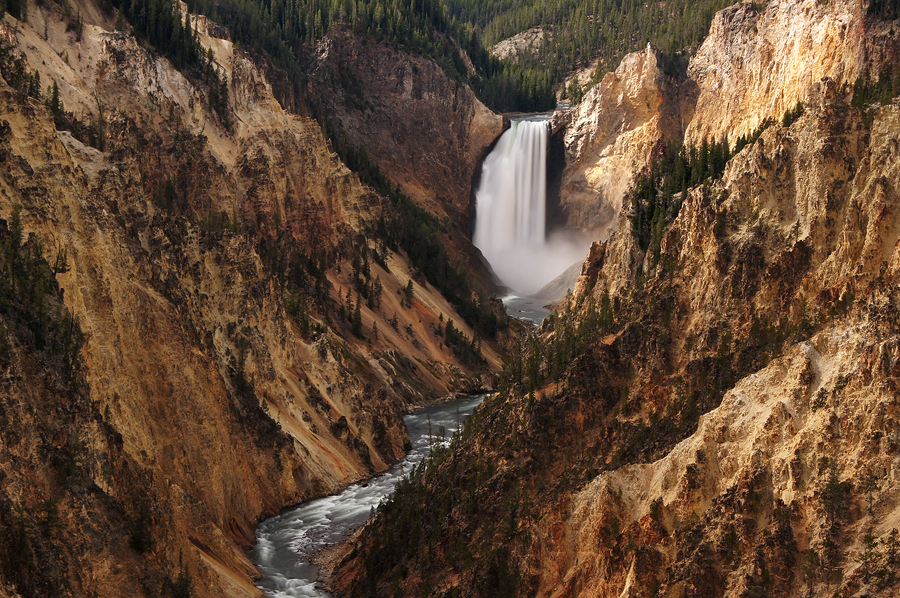 lower falls of Yellowstone by ariseandrejoice