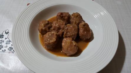 Stewed meatballs