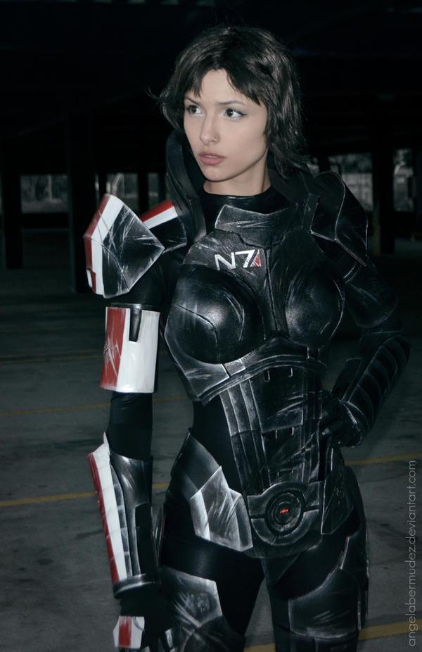 Fem Shepard by AngelaBermudez