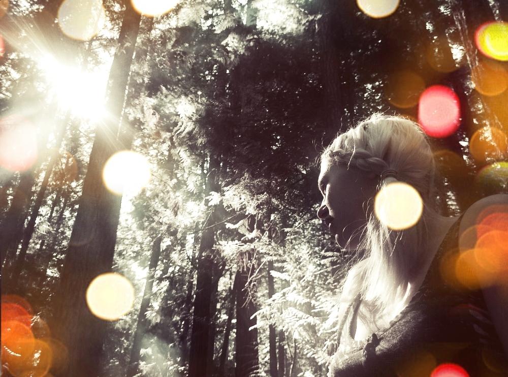 Dazzling Light by LilPumpkinKing
