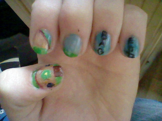 LotR nail art: Bag End by IronMandy on DeviantArt