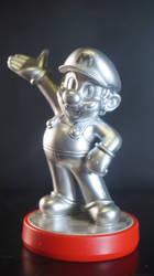Silver Mario Amiibo