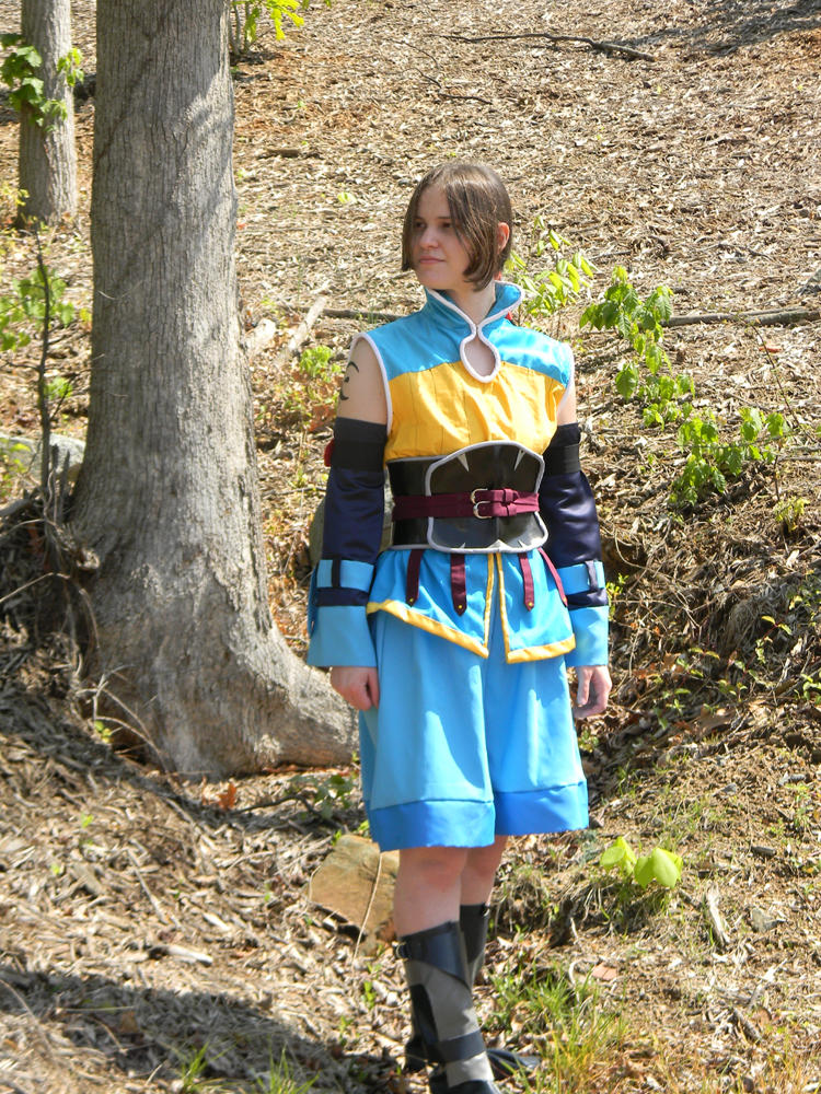 Kharg cosplay - Wooded stroll