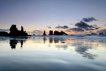 Night Coast Silhouettes by enunez