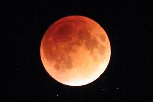 September 2015 Lunar Eclipse - Total 2