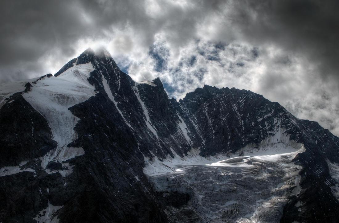 Bergsteiger by Burtn