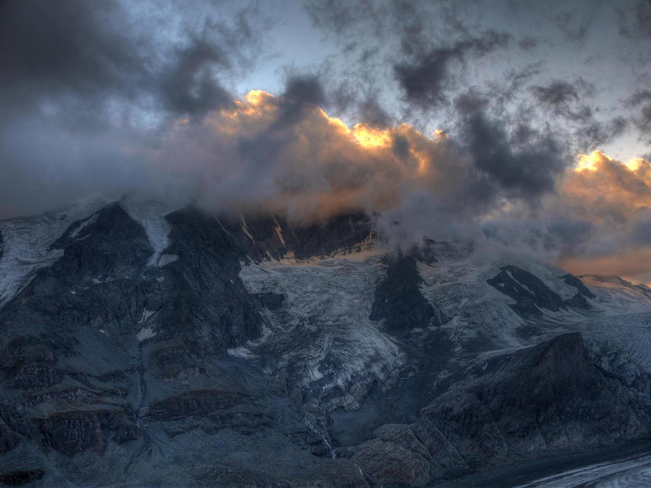 Glowing Alps by Burtn