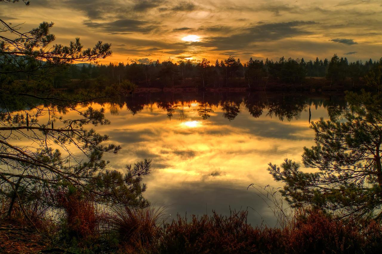Another Little Sunset by Burtn