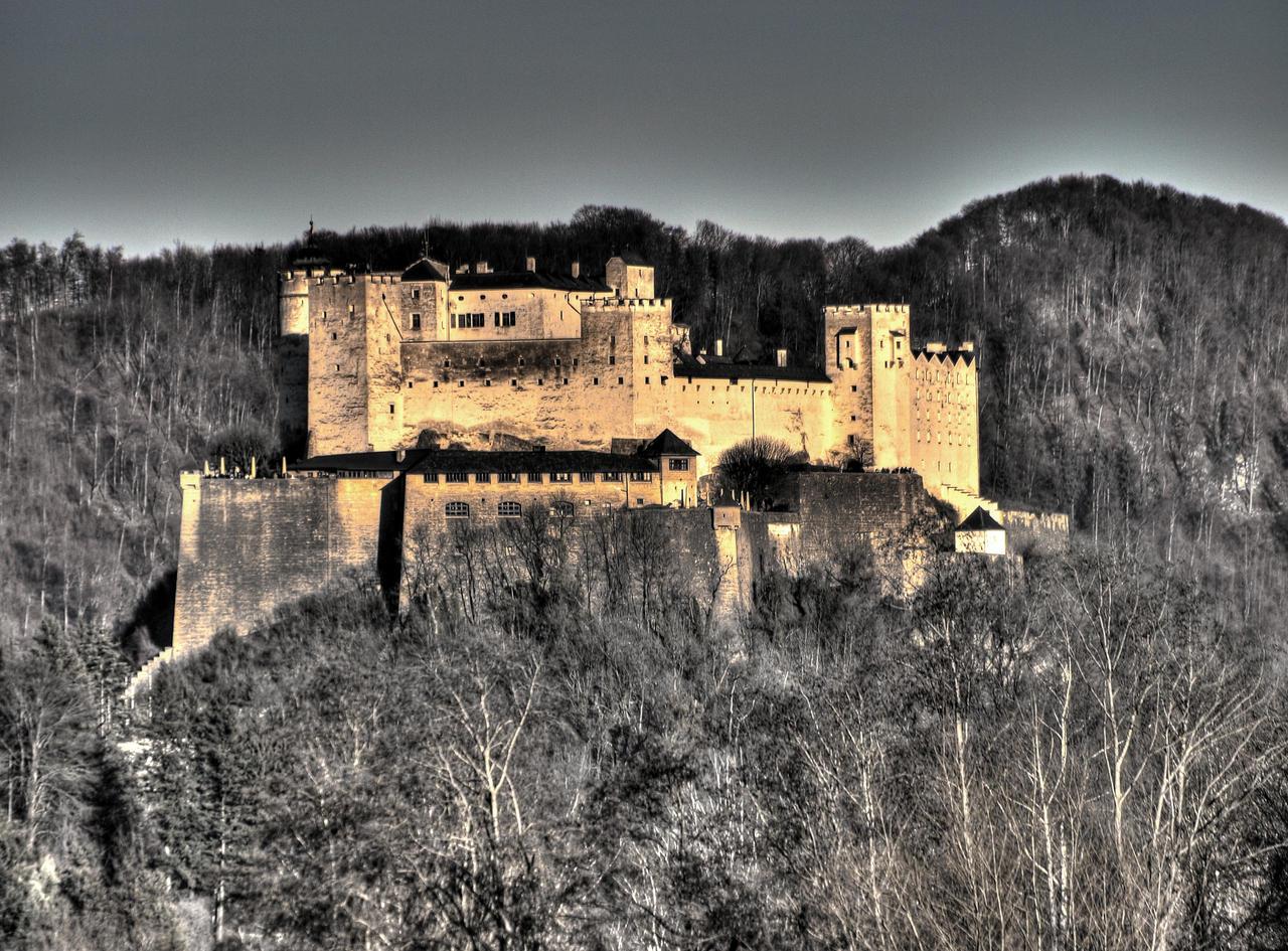 Castello by Burtn