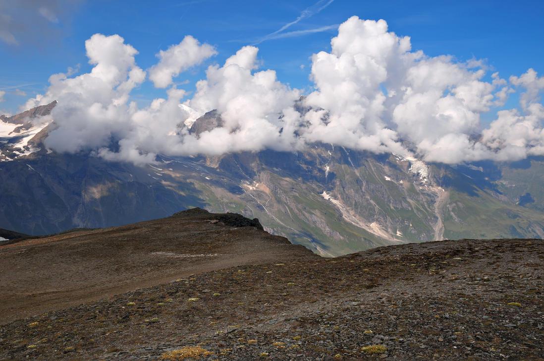 Cloudy Mountains by Burtn