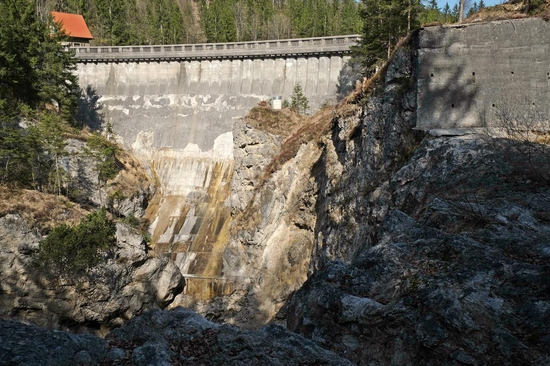 Old Dam by Burtn