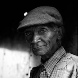 Le vieil homme m'a souri by Violene