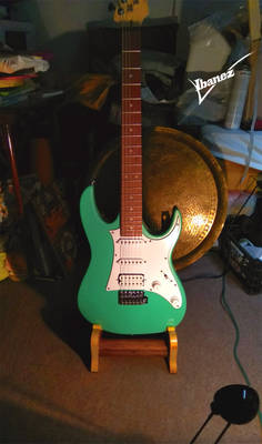 Ibanez GRX40 Gio homemade guitar stand 3