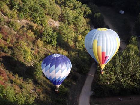 Balloons over Rocamadour 26
