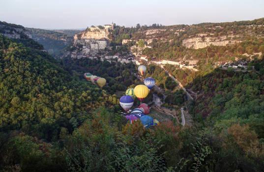 Balloons over Rocamadour 30