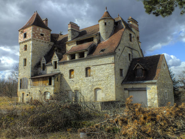 The castle of the fool man