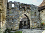 St Cirq Lapopie 16 - Medieval castle's gate
