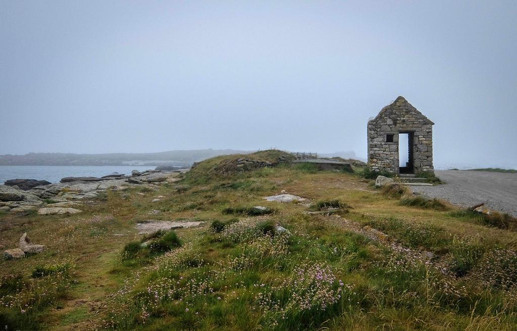 Brittany 15 - Seaside Ruin