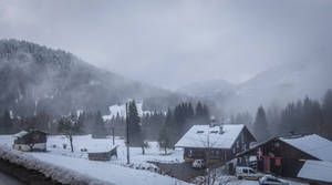 Morzine 036 - Snowy village and clouds