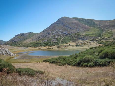 Asturias 17055 - Lake