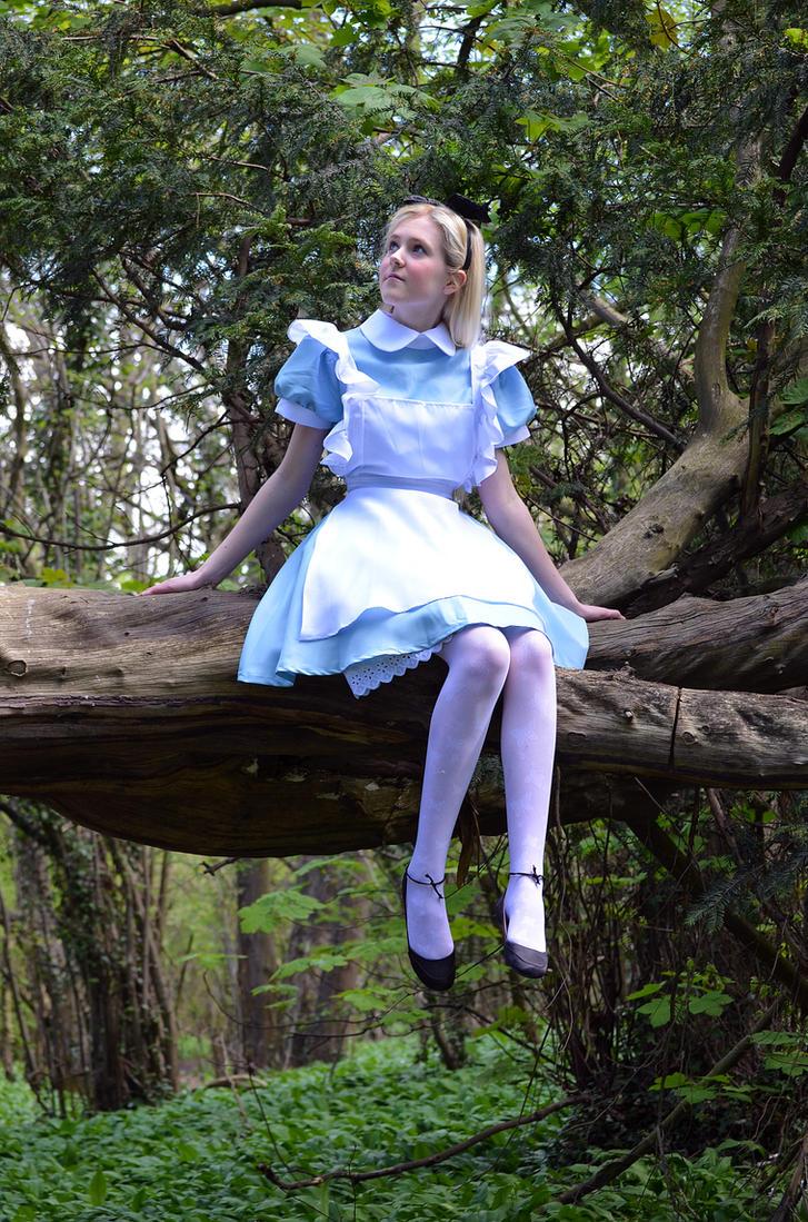 Alice in Wonderland by iDisneyx