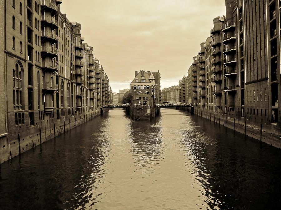 Nice Sides of Hamburg by Xfluegge