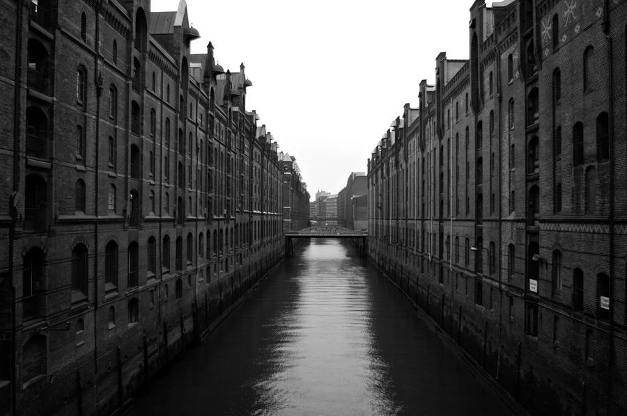 Nice Sides of Hamburg III by Xfluegge