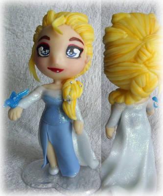 Chibi Elsa Frozen by AndressaYokoGohan