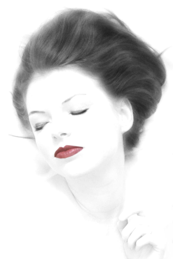 White face with red lipstick by muffinn2