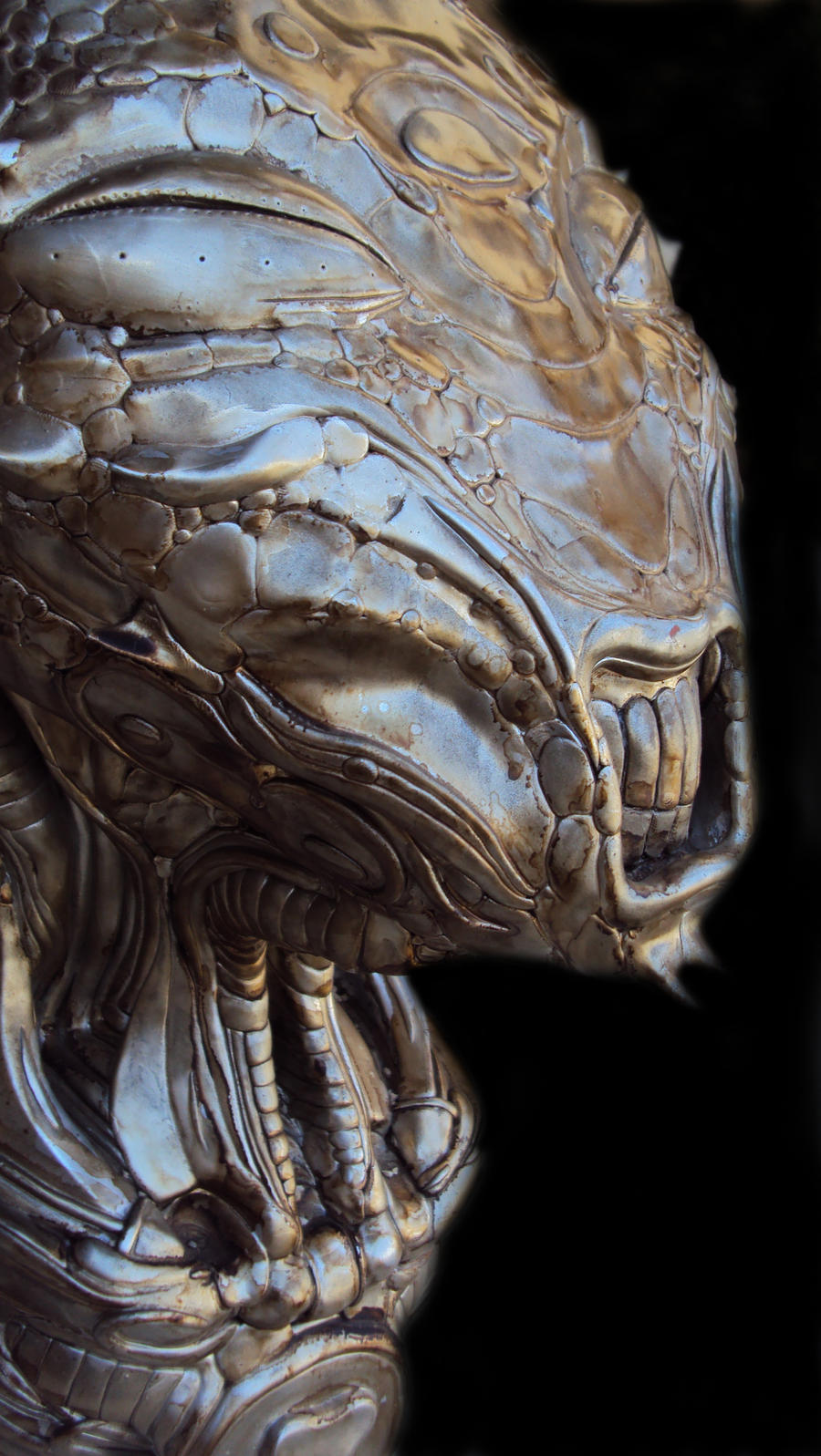 Alien head close 02 by Rodrigomagnovieira