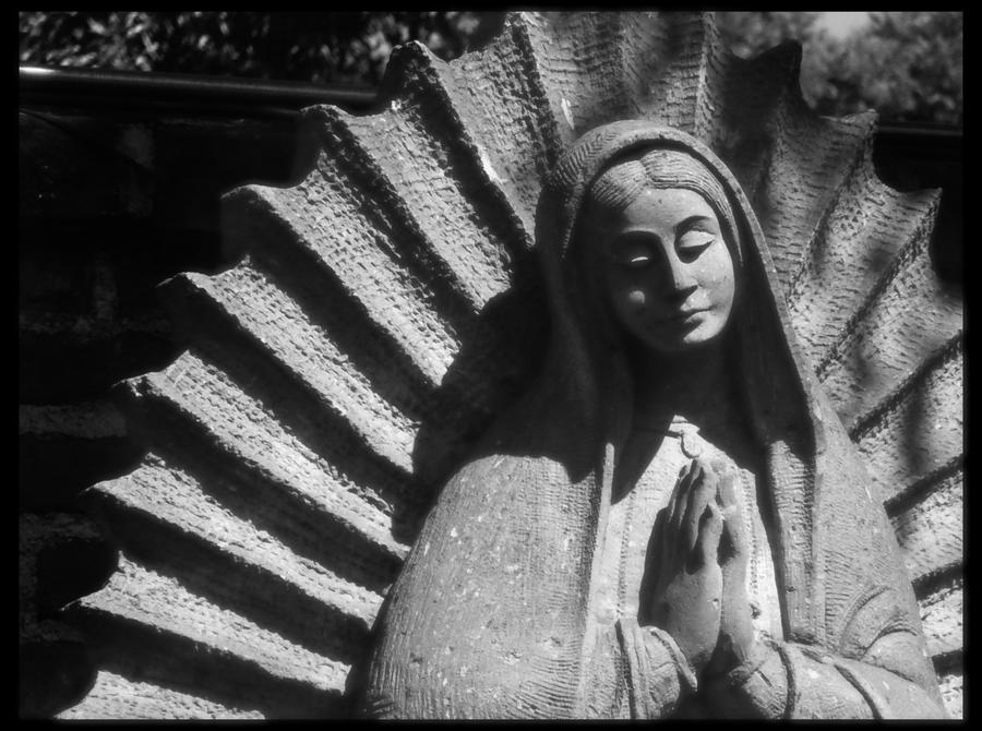Virgen de Guadalupe by Spolity on DeviantArt