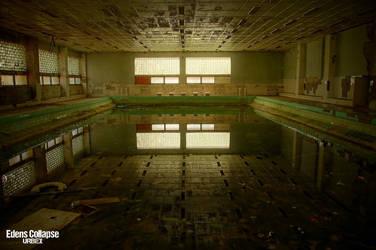 Swimming pool by Karen-Valnor