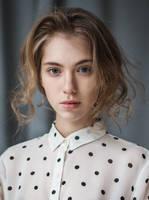 Julia by elle-cannelle